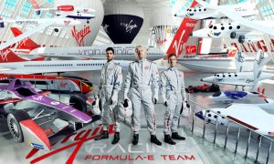 rsz_sir_richard_branson_centre_reveals_the_driver_line-up_for_the_virgin_racing_formula_e_team_with_jaime_alguersuari_left_and_sam_bird_right_3